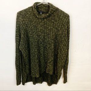 American Eagle l Green Ribbed Cowl Neck Top